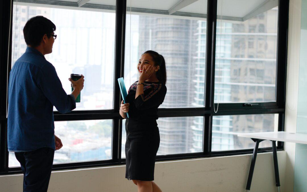 """3 tips til gode  """"Uformelle samtaler"""" for virtuelle medarbejdere"""